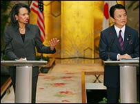 US Secretary of State Condoleezza Rice (left) with Japanese Foreign Minister Taro Aso  (right) address a joint news conference
