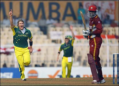 Shane Watson claims the wicket of Chris Gayle