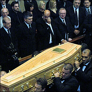 Snooker stars at Paul Hunter's funeral
