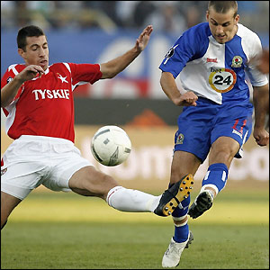 David Bentley on the attack