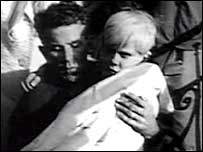 Jeff Edwards being rescued in Aberfan