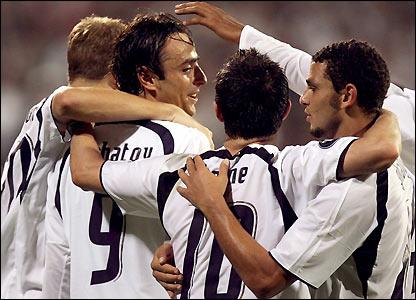 Spurs celebrate Dimitar Berbatov's goal