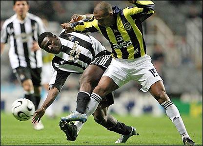 Obafemi Martins is tackled