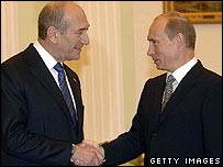 Israeli Prime Minister Ehud Olmert (left) and Russian President Vladimir Putin