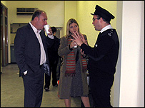 Mark Oaten talking to a Prison Warden