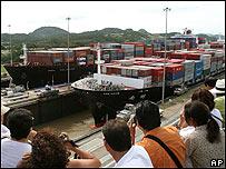 Turistas en el Canal de Panamá