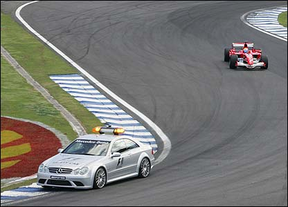 Massa trails the pace car