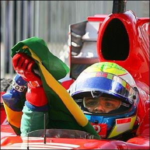 Massa celebrates his win