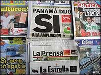 Titulares de diarios en Panamá luego del referendo.