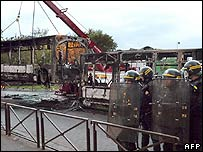 Bus set on fire in Grigny, 21-10
