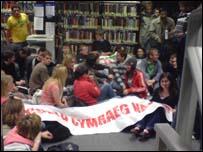 Protest myfyrwyr Aberystwyth