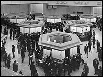 Trading floor of the London Stock Exchange in 1973