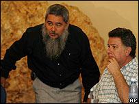 """""""Francisco Gal�n"""", vocero del ELN, y Luis Carlos Restrepo, Alto Comisionado de Paz de Colombia."""