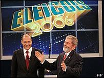 Geraldo Alckmin (izq.) y Luiz In�cio Lula da Silva durante el debate