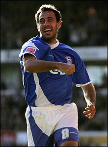 Sylvain Legwinski celebrates his goal