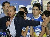 Geraldo Alckmin (con micrófono)