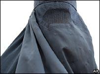 Una mujer con burca en Afganistán