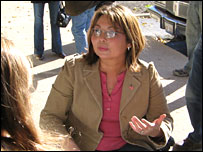 House Democratic candidate Tammy Duckworth talks to potential voters in Illinois