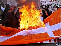 Danish flag is burned in Pakistan, February 2006
