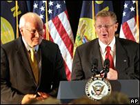 Vice-President Dick Cheney (l) campaigns with Republican Senator Conrad Burns