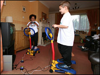 Children using the Step2Play machine