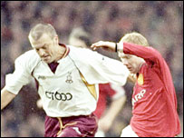 Neil Redfearn and Paul Scholes