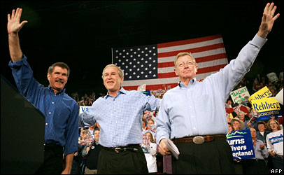 (l-r) Representative Denny Rehberg, President George W Bush and Senator Conrad Burns in Montana, 2 Nov