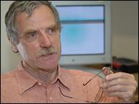 Dr Dennis Bray