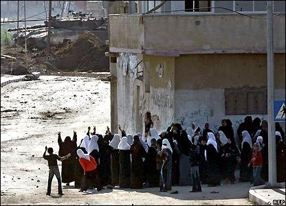 Palestinian women in Beit Hanoun