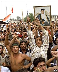 Saddam Hussein supporters demonstrating in Tikrit