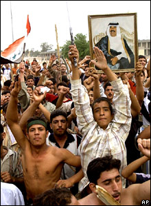 Iraqis in Saddam's home town of Tikrit protest against the former Iraqi leader's verdict