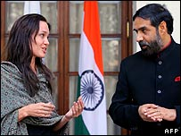 Angelina Jolie with Indian Minister of State for External Affairs Anand Sharma