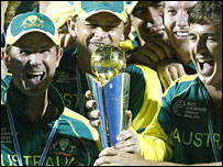 Ponting, Gilchrist and Hogg hoist the trophy