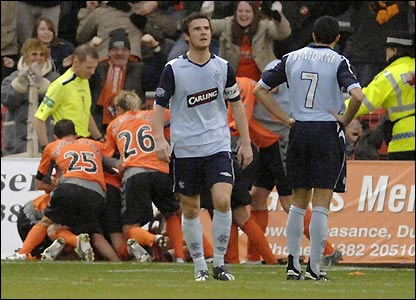 Dundee United celebrate Lee Mair's goal