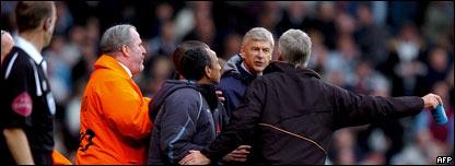 Ars�ne Wenger y Alan Pardew