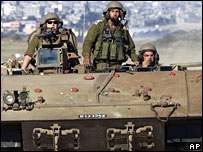 Israeli troops returning from Gaza