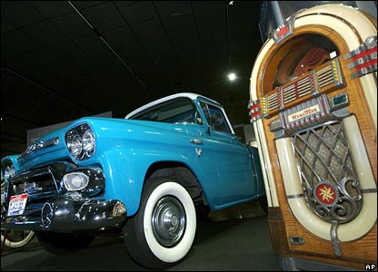 A 1958 GMC truck and Wurlitzer juke-box