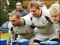 Chris Horsman, Rhys Thomas and Duncan Jones train in the Wales front row