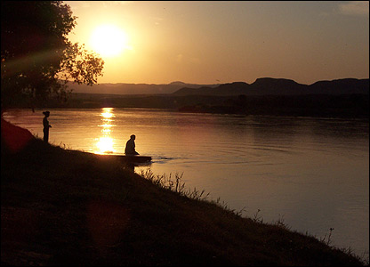 Along the Orange River, on South African side, at dusk [Pic: Tara Finglas]