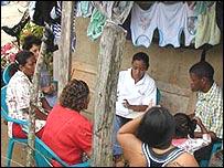 Capacitaci�n de prestatarias por Fundaci�n Adelante, Honduras (Gentileza: Fundaci�n Adelante)