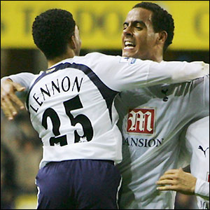 Tom Huddlestone celebrates his equaliser