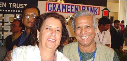 M�nica Pescarmona, fundadora de Grameen Mendoza, junto a Muhammad Yunus, Premio Nobel de la Paz 2006