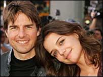 Tom Cruise (isq.) y Katie Holmes