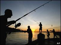 Pescadores en La Habana.