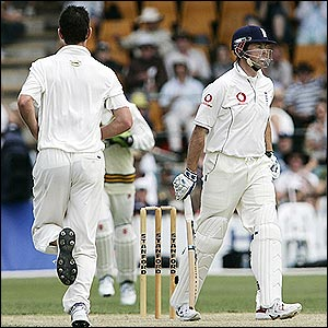 Marcus Trescothick is caught behind off Shaun Tait