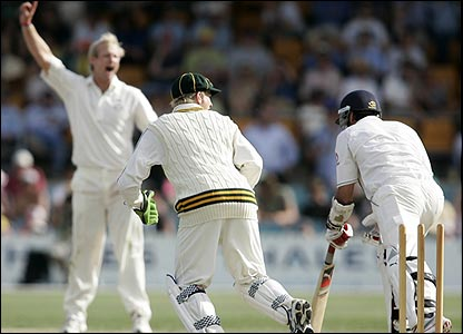Sajid Mahmood is stumped off the bowling of Cameron White