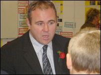 Scott Quinnell chatting to schoolchildren