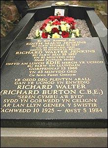 Plaque to Richard Burton