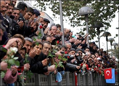 Crowds line the streets of Ankara