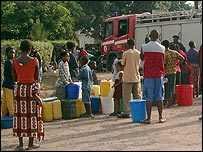 People in a Chingola neighbourhood waiting for a Kitwe fire truck to distribute water [sent into yourpics@bbc.co.uk by Gillian Slade]